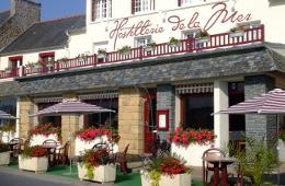 Facade Hostellerie de la Mer Hotel Crozon